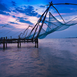 Traditional Chinese fishing net at fort cochin, India, Asia