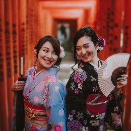 Dress up in traditional kimonos in Tokyo