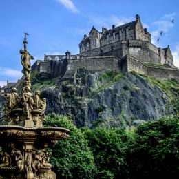 Enchanting Travels UK Ireland Tours Edinburgh Castle during summer Scotland