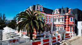 Exterior view at hotel Palacio Astoreca in Valparaíso, Chile
