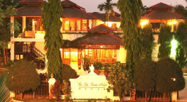 Enchanting Travels - Asia Tours - Myanmar - Bagan - Thazin Garden - exterior during night
