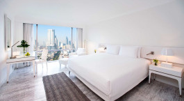 Deluxe room at hotel Pullman G in Bangkok, Thailand