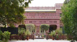Außenansicht im Ratan Vilas Hotel in Jodhpur, Nordindien
