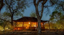 Exterior view at Thawale Lodge in Majete Wildlife Reserve, Malawi