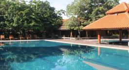Enchanting Travels - Asia Tours - Myanmar - Rupar Mandalar -swimming pool