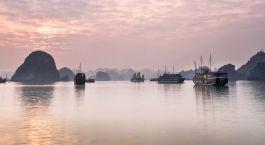 Highlight Ihrer Asien Rundreise: Sonnenaufgang in der Halong Bucht