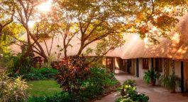 Gartenanlage des Bayete Guest House, Victoria Falls, Simbabwe