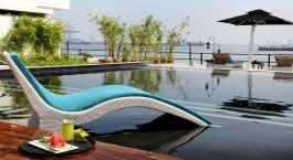 Pool im Hotel Xandari Harbour in Cochin, Südindien