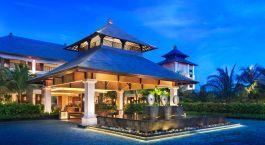 Außenansicht des St. Regis Bali Resort Hotels in Nusa Dua, Indonesien
