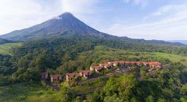 Außenansicht des Arenal Kioro Hotel in Arenal, Costa Rica