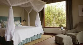 Enchanting Travels Tanzania Tours Lake Manyara and Ngorongoro Hotels Acacia Farm Lodge (1)
