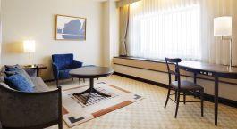 Sitzbereich im Seating area at Keio Plaza Hotel Sapporo, Japan