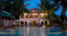 Enchanting Travels India Tours Cochin Hotels Taj Malabar Resort & Spa _Poolside by Evening