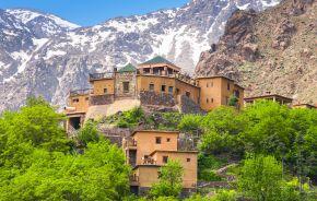Das verwinkelte Gebäude der Kasbah du Toubkal in Imlil, Marokko