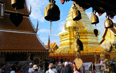 Goldener Tempel Wat Phra That Doi Suthep in Chiang Mai, Thailand