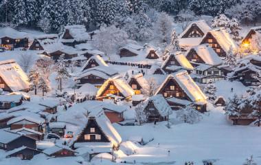 Enchanting-Travels-Top-10-UNESCO-World-Heritage-sites-in-2019-Shirakawa-go-Japan-winter