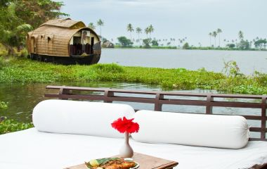 Experience Alleppy Houseboat on your Kerala backwater tour