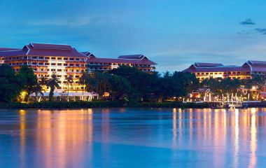 Enchanting Travels - Bangkok Reisen - Anantara Bangkok Riverside Resort - Außenansicht