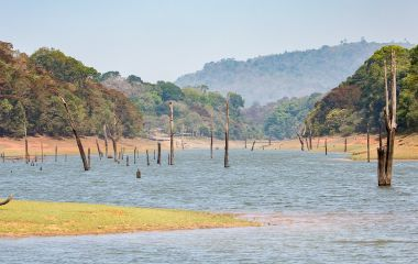 Enchanting Travels India Tours backwaters of Kerala
