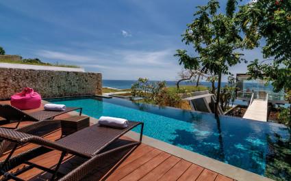 Privater Pool im Anantara Uluwatu Bali Resort Hotel in Uluwatu, Indonesien