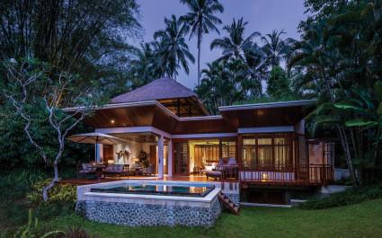 Außenansicht einer Gästevilla des Four Seasons Resort Bali at Sayan Hotels in Ubud, Indonesien