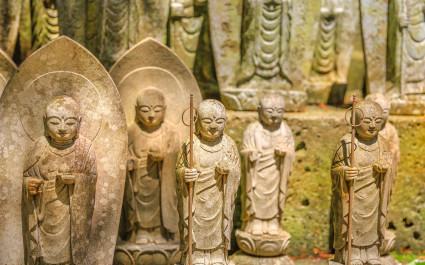 Buddha statues at Hasedara Temple