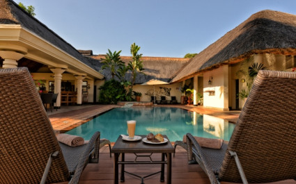 Swimmingpool der Ilala Lodge in Simbabwe