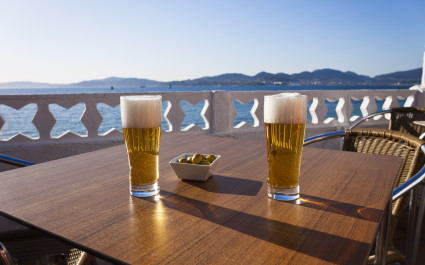 Clara - A low alcohol drink similar to a shandy that's made by mixing beer with tangy lemon juice - Spanish cuisine