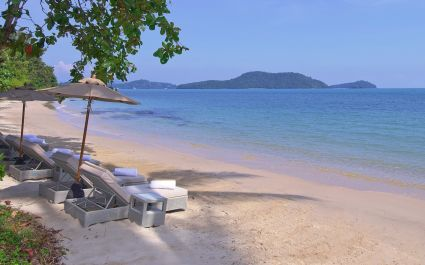 Enchanting Travels Thailand Tours Amatara Wellness Resort - Beach decks