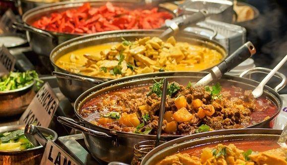 oriental-food-indian-takeaway-at-a-londons-market-shutterstock_107272763
