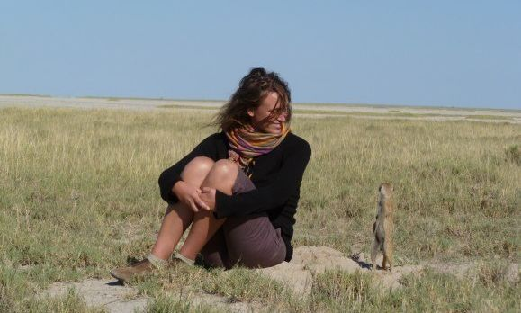 Unsere Autorin im Okavango Delta
