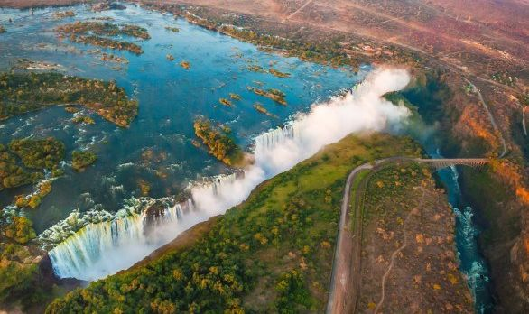 victoria-falls-africa-586x392