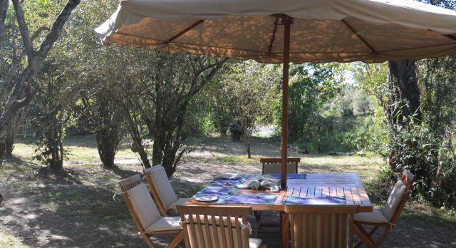 Enchanting Travels-Kenya Tours-Masai Mara-Mara Ngenche-Breakfast outside