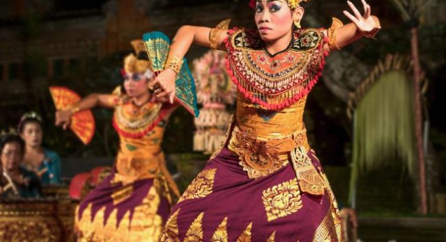 Traditional Balinese Legong Dance Performance in Ubud, Bali