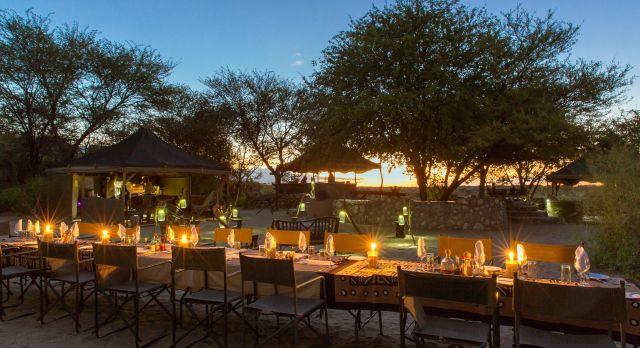 Dining at Meno A Kwena - luxury African safari