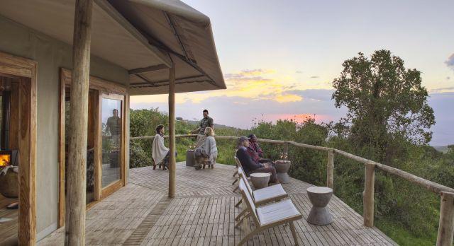 Enchanting Travels - Tanzania Tours - Ngorongoro - The Highlands - Whisky bar sundowners