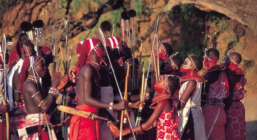 Die Samburu in traditionellem Gewand, Kenia