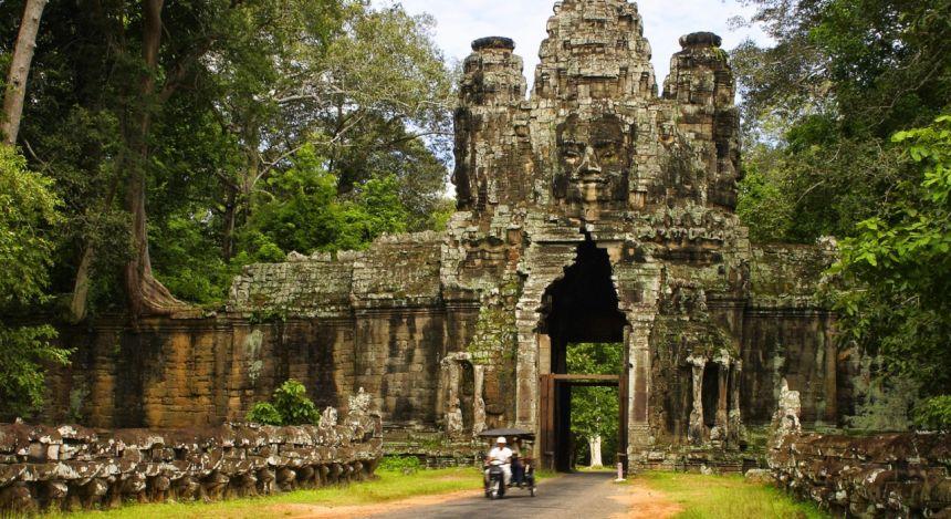 Enchanting Travels Cambodia Tours Angkor Thom Gate