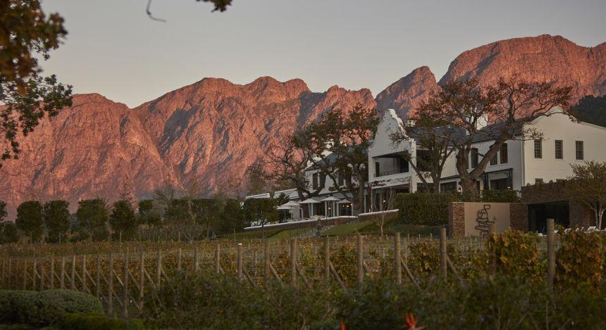 Außenansicht des Leeu Estates Hotels, Winelands in Südafrika