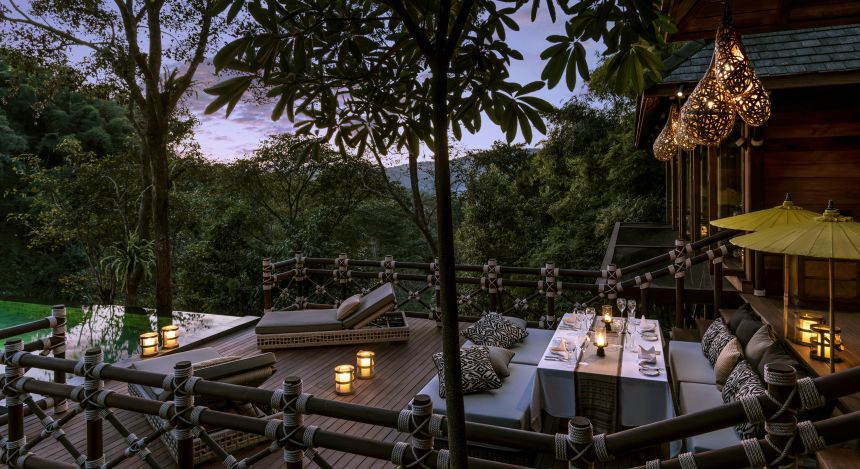 Private Terrasse im Four Seasons Tented Camp, Golden Triangle Hotel in Chiang Saen, Thailand