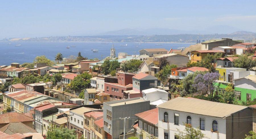Blick auf Valparaiso und seinen Hafen
