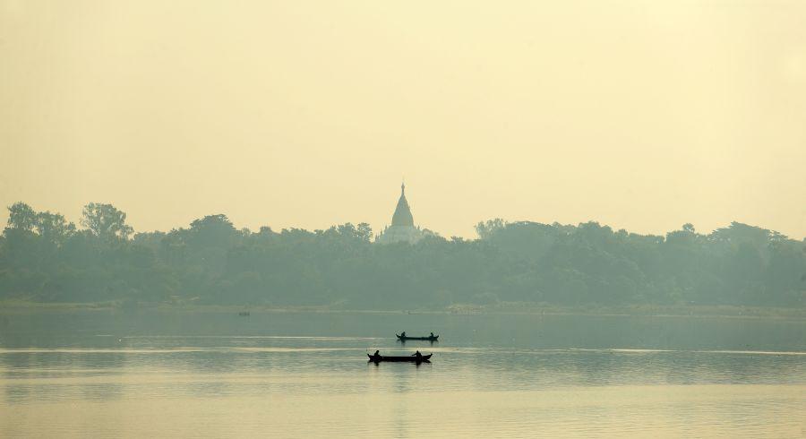 Beste Reisezeit Myanmar - Sonnenaufgang an einem Fluss