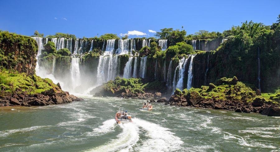 Boat tour in Argentina at he Iguazu Falls