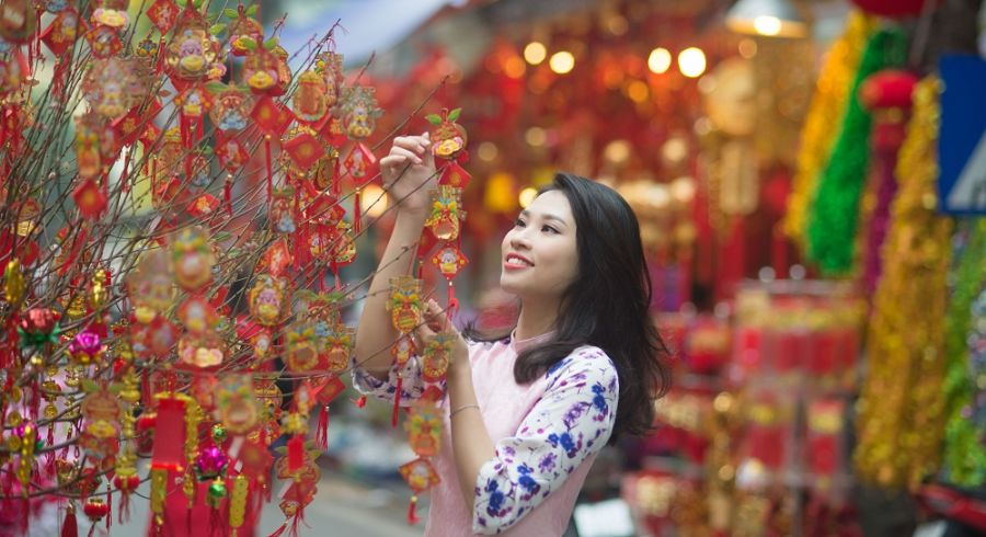 Traditional Tet celebrations in Hanoi