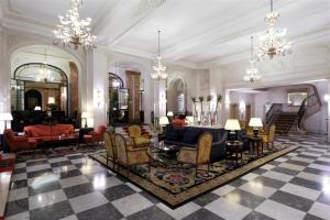 Le Plaza Hotel Photo