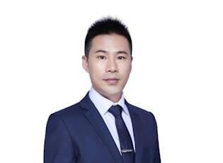 Zhaofeng Zhou