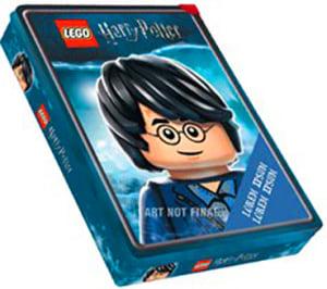 LEGO Harry Potter tinnboks. 4 aktivitetsbøker. 5 klistremerkeark. 1 Harry Potter minifigur