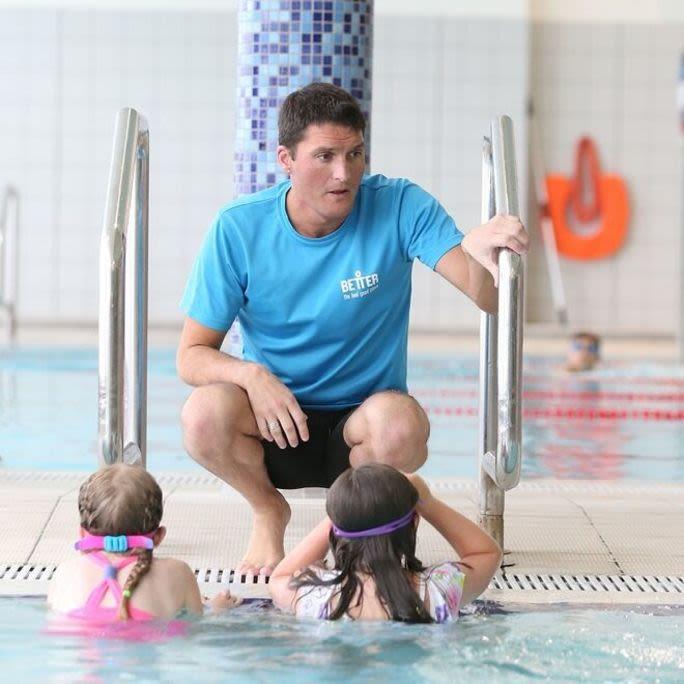 Swimming lessons, Teacher