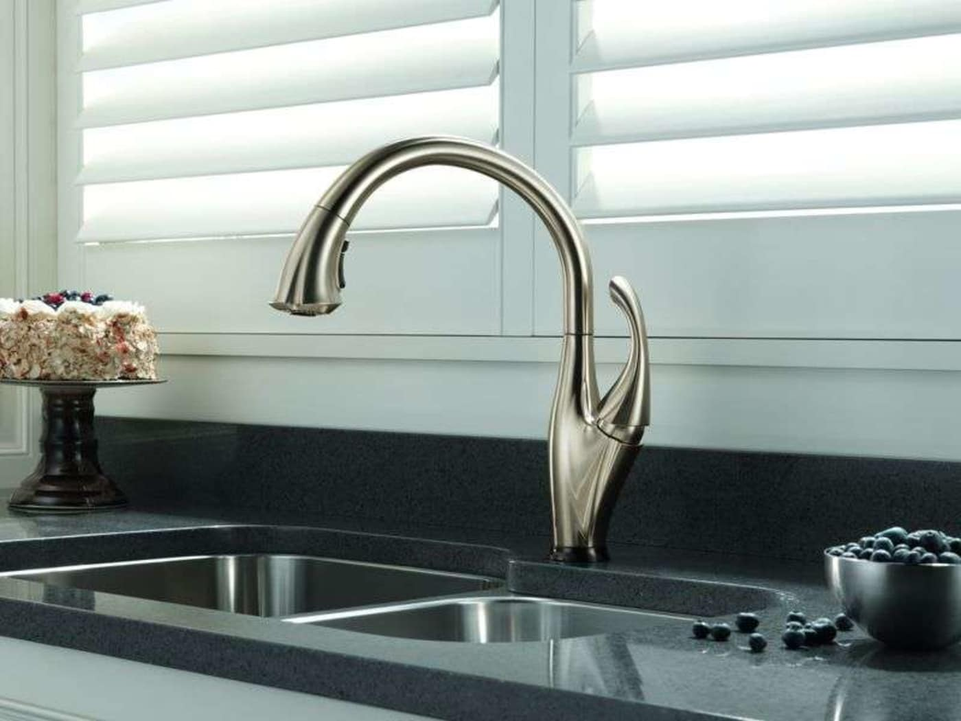 Delta Addison Chrome Single Handle Kitchen Faucet with ShieldSpray ...