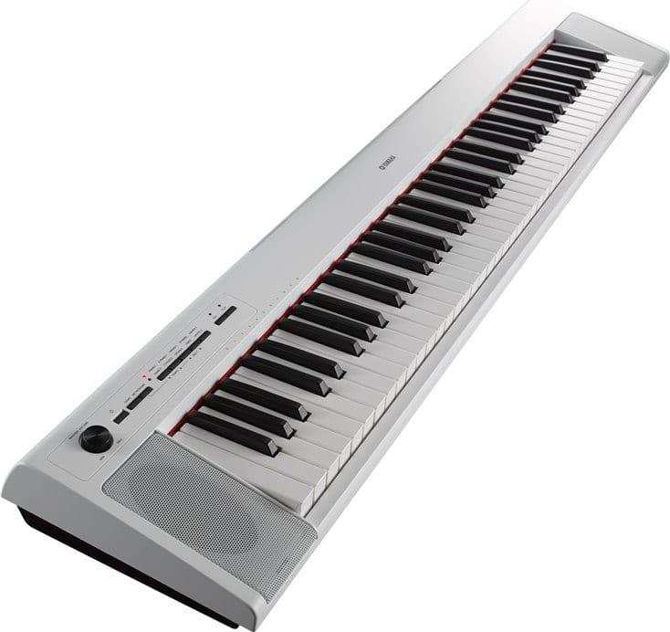 Blanco Piaggero portátil Yamaha NP-32 de 76 teclas.1